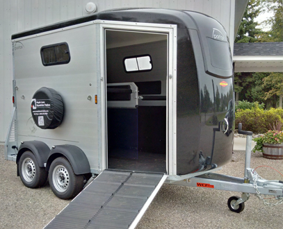Portax series maple lane equestrian trailers bckmann horse portax k front ramp view sciox Image collections